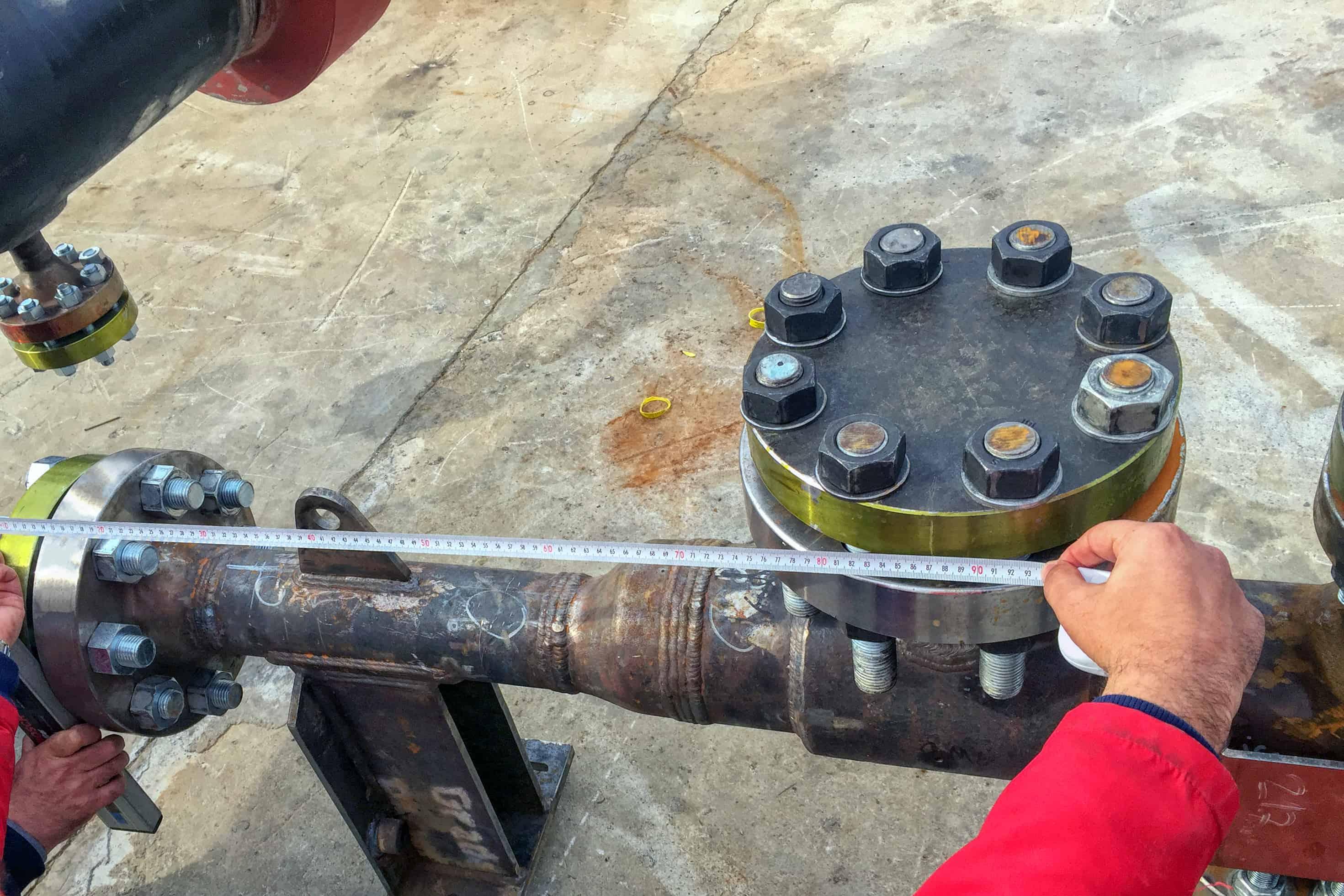 measuring pipe between flanges