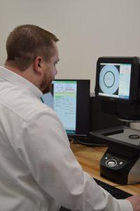 hunter operating keyence optical comparator